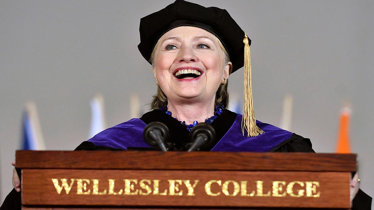 Former Secretary of State Hillary Clinton delivers the commencement address at Wellesley College, Friday, May 26, 2017 in Wellesley, Mass.   (AP Photo/Josh Reynolds)