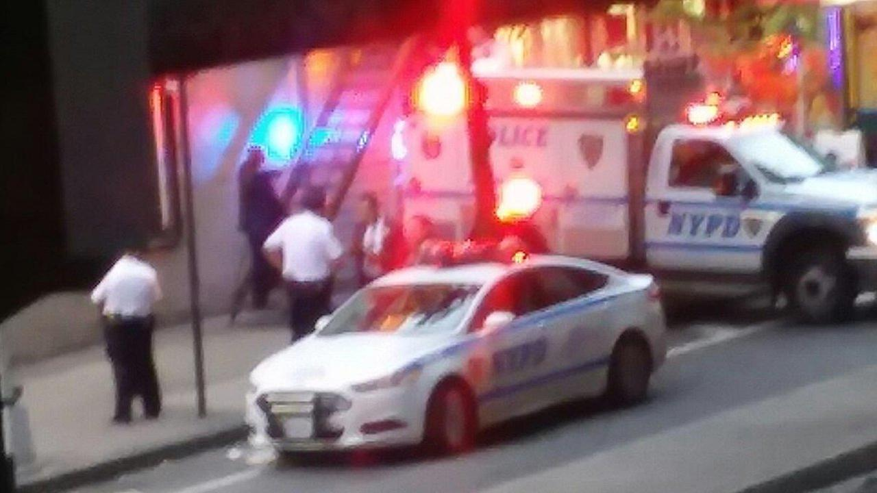 Man charged after pregnant woman, friend stabbed in Bronx