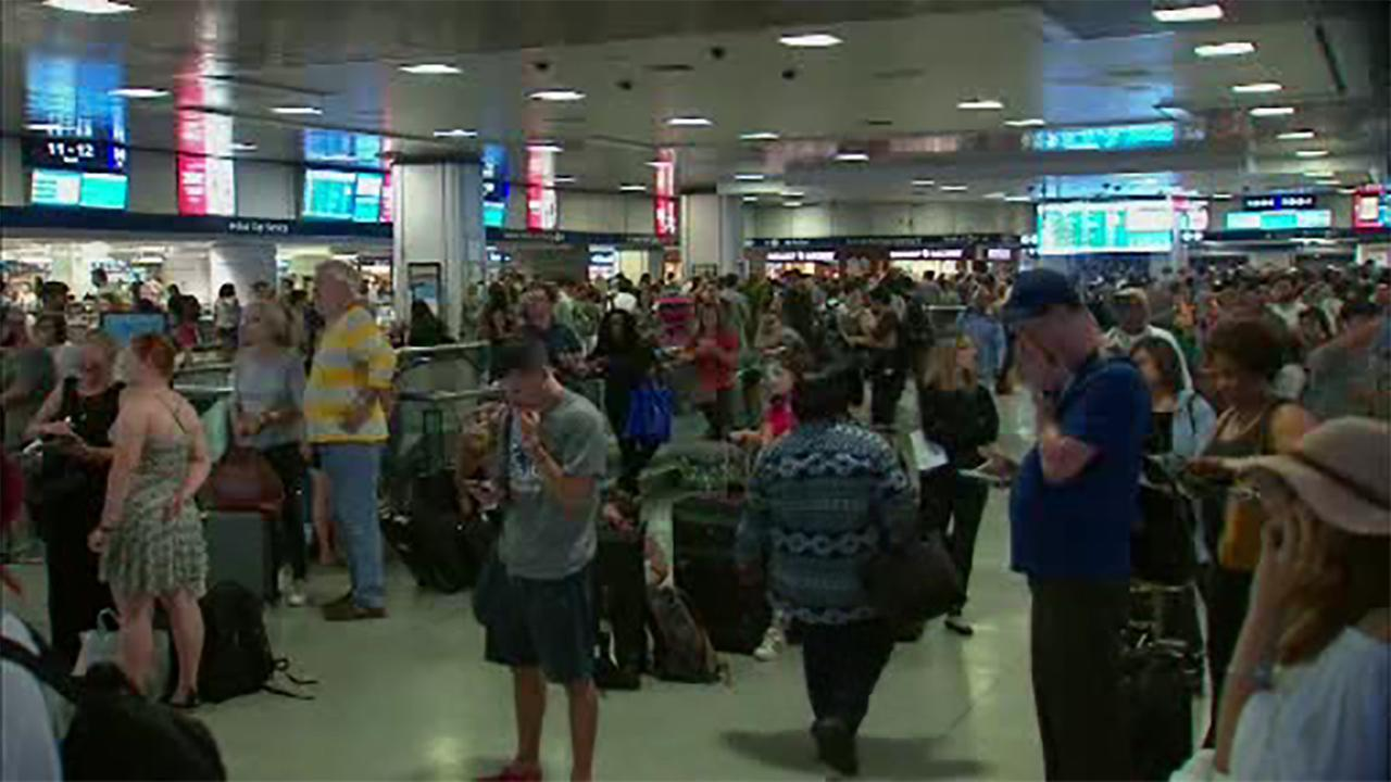 Rail service in and out of Penn Station resumes after delay