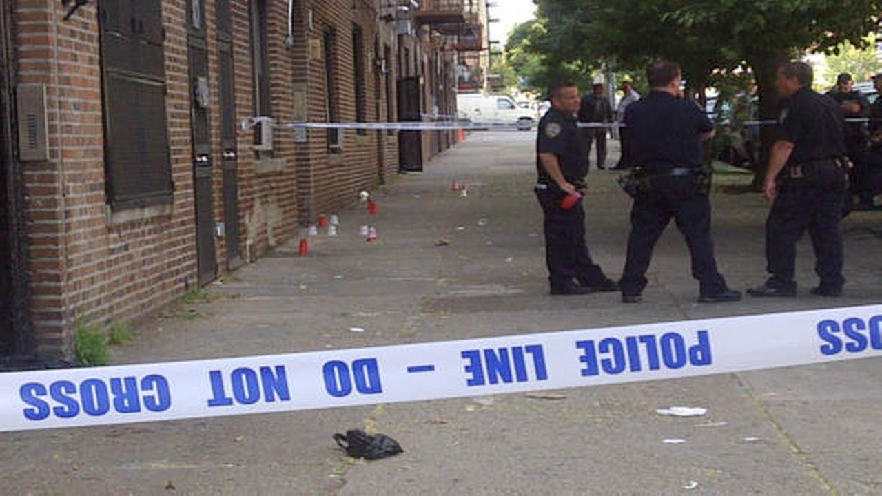 3 people shot in the leg in the Bronx; suspect still at large