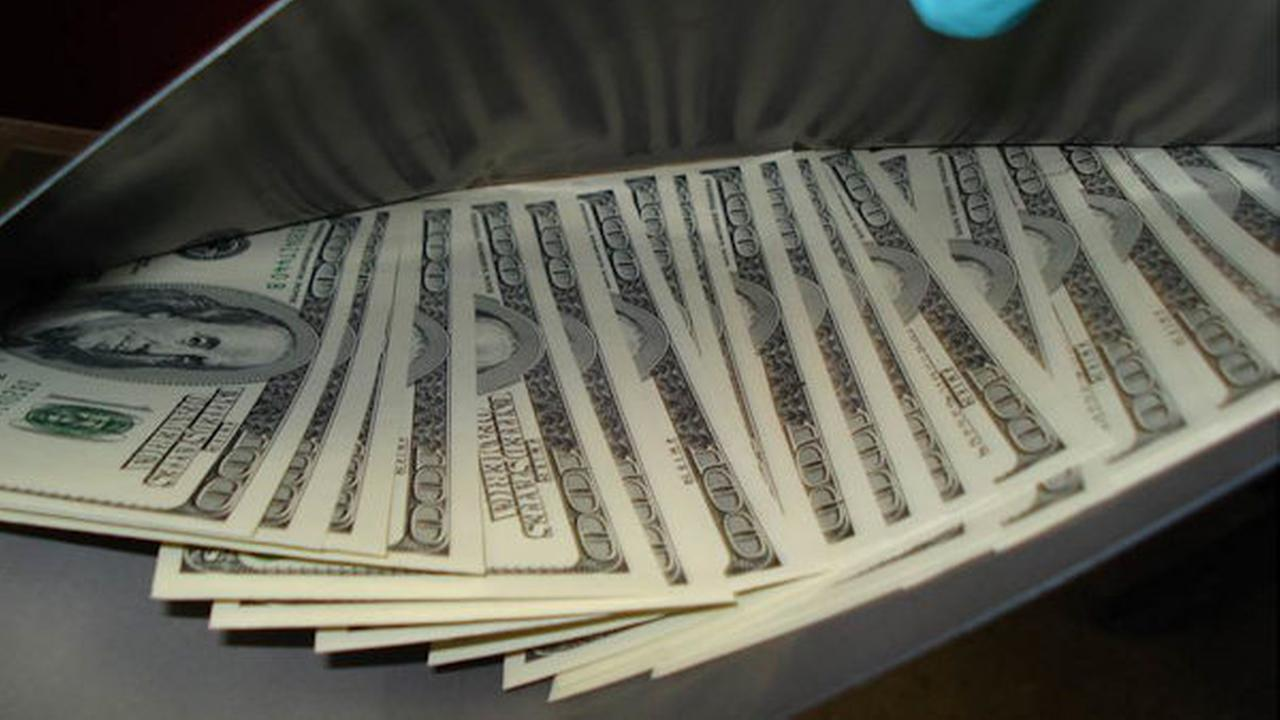 counterfeit money jfk airport