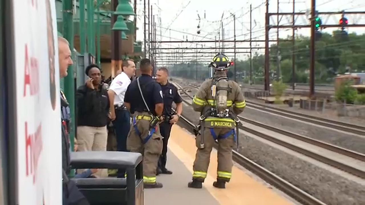 NJ Transit train with 400 on board disabled between Linden and Elizabeth