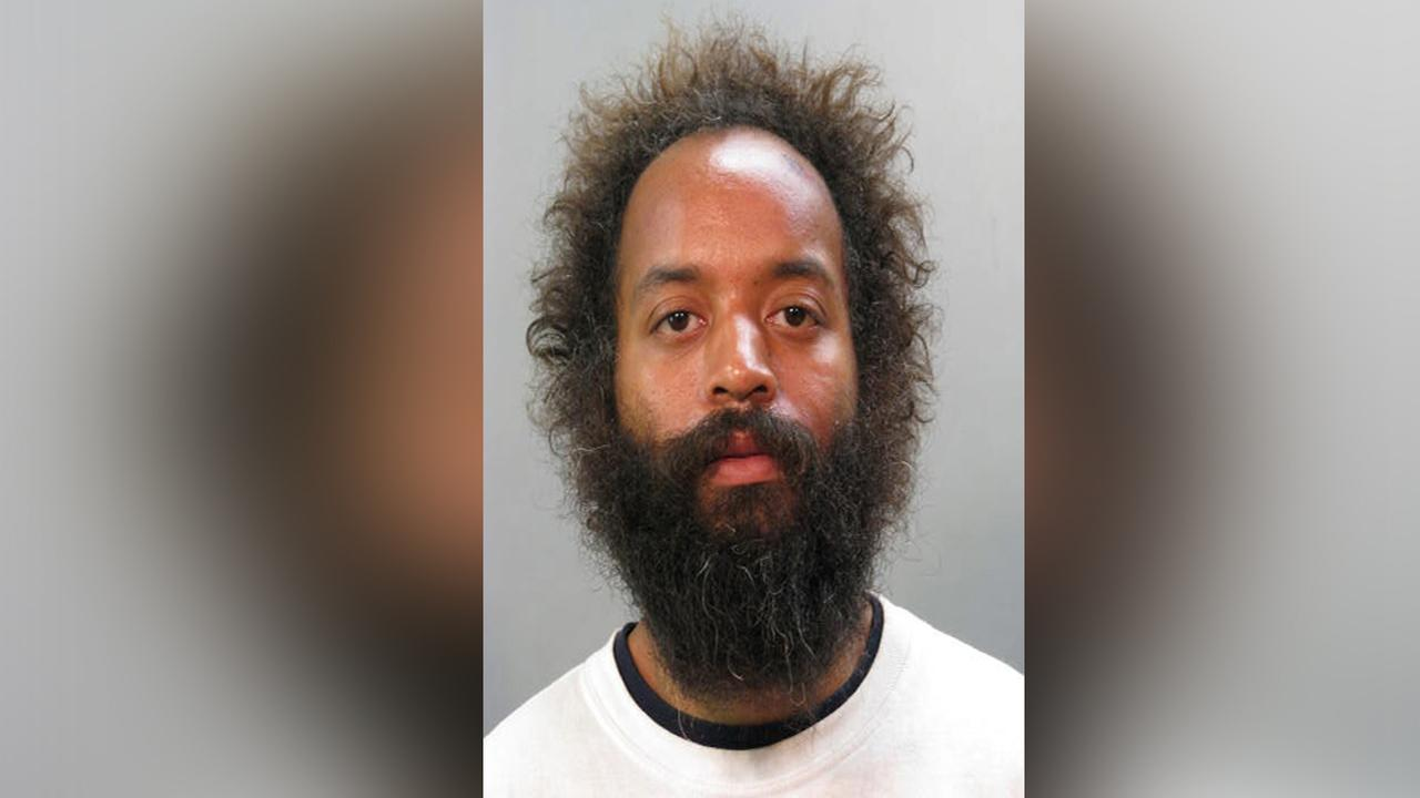 Man charged with trying to grab police officer's gun on Long Island