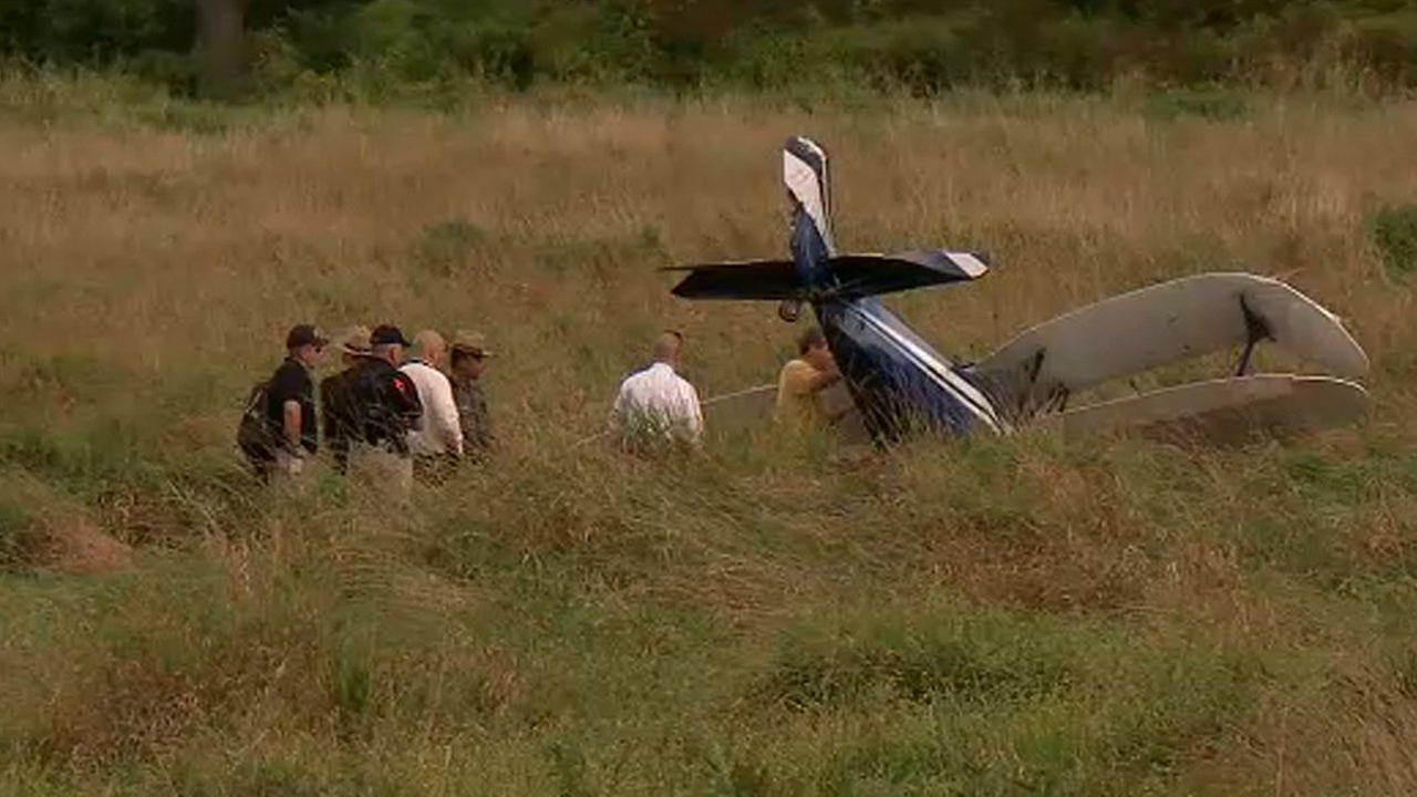 Small plane makes hard landing in Tuxedo field in Orange County