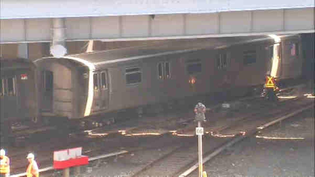minor train derailment on staten island