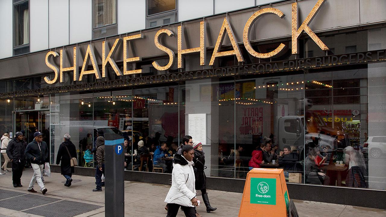 Robots are replacing fast food workers at new Shake Shack