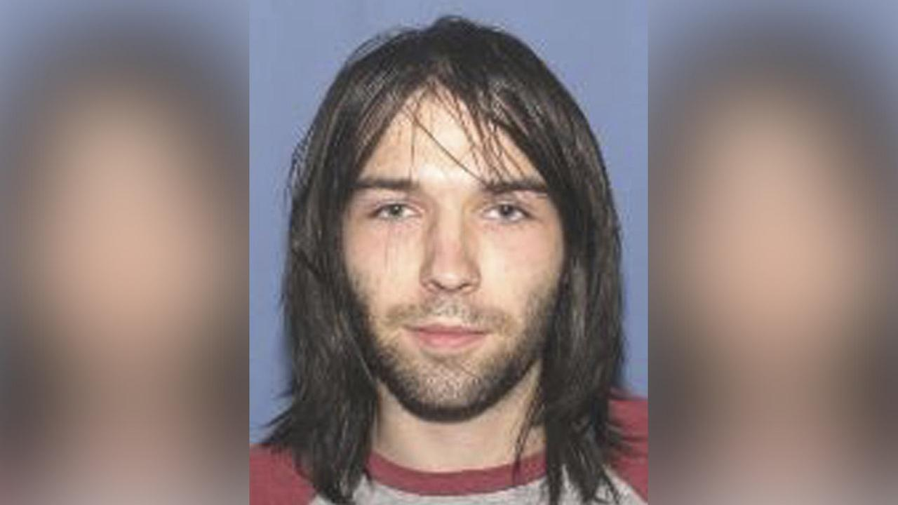 Suspect in 4 Ohio murders arrested while walking along road