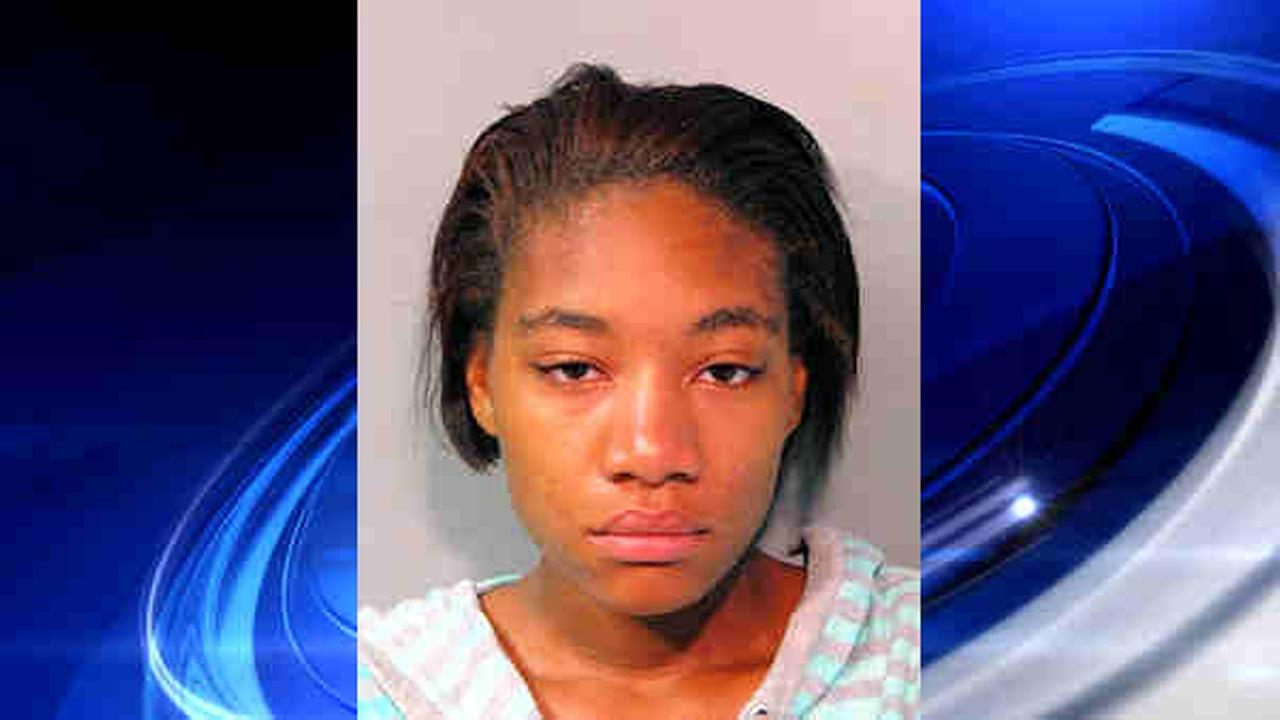 young ebody Long Island mom accused of leaving three young children .