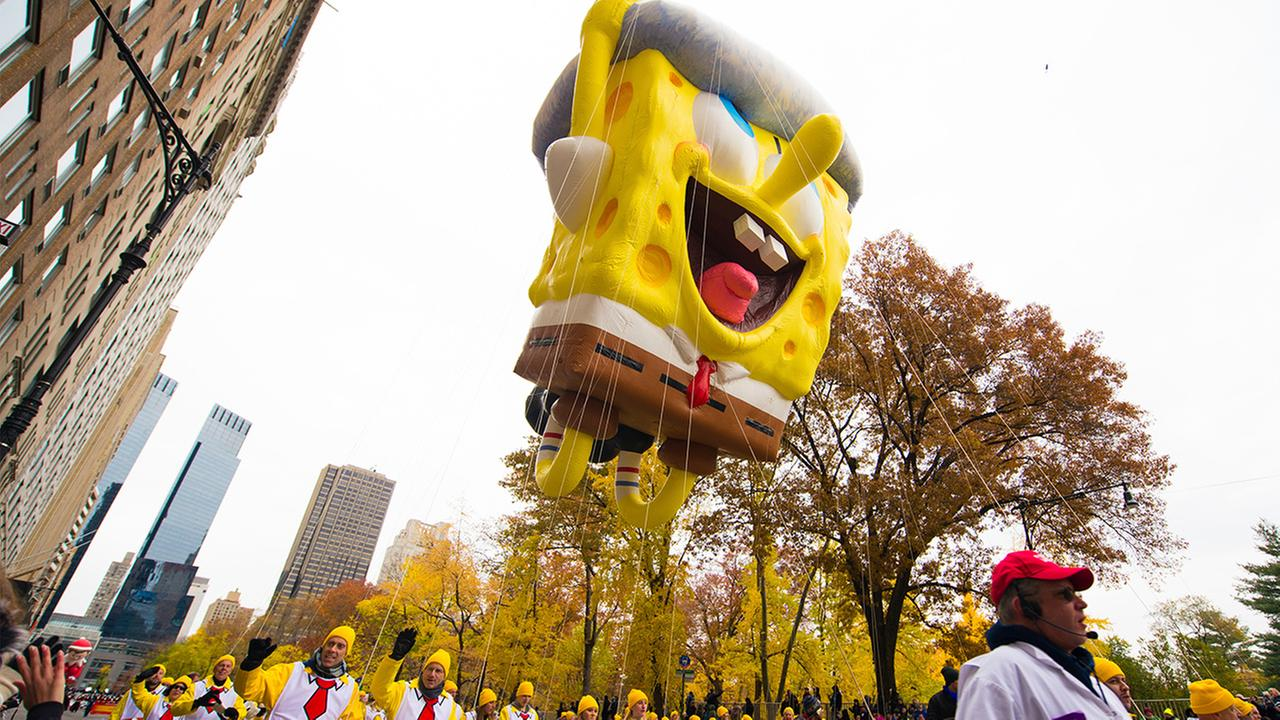 macys thanksgiving day parade new york city spongebob squarepants