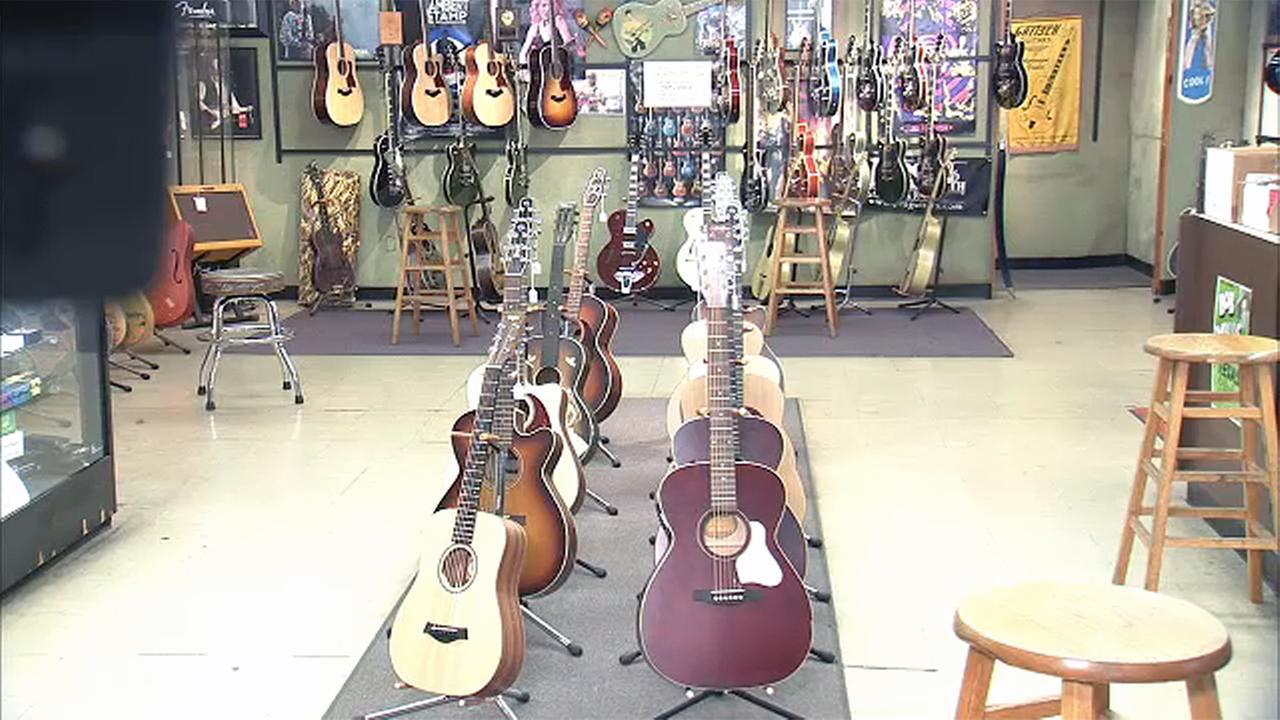 matt umanov guitar shop greenwich village