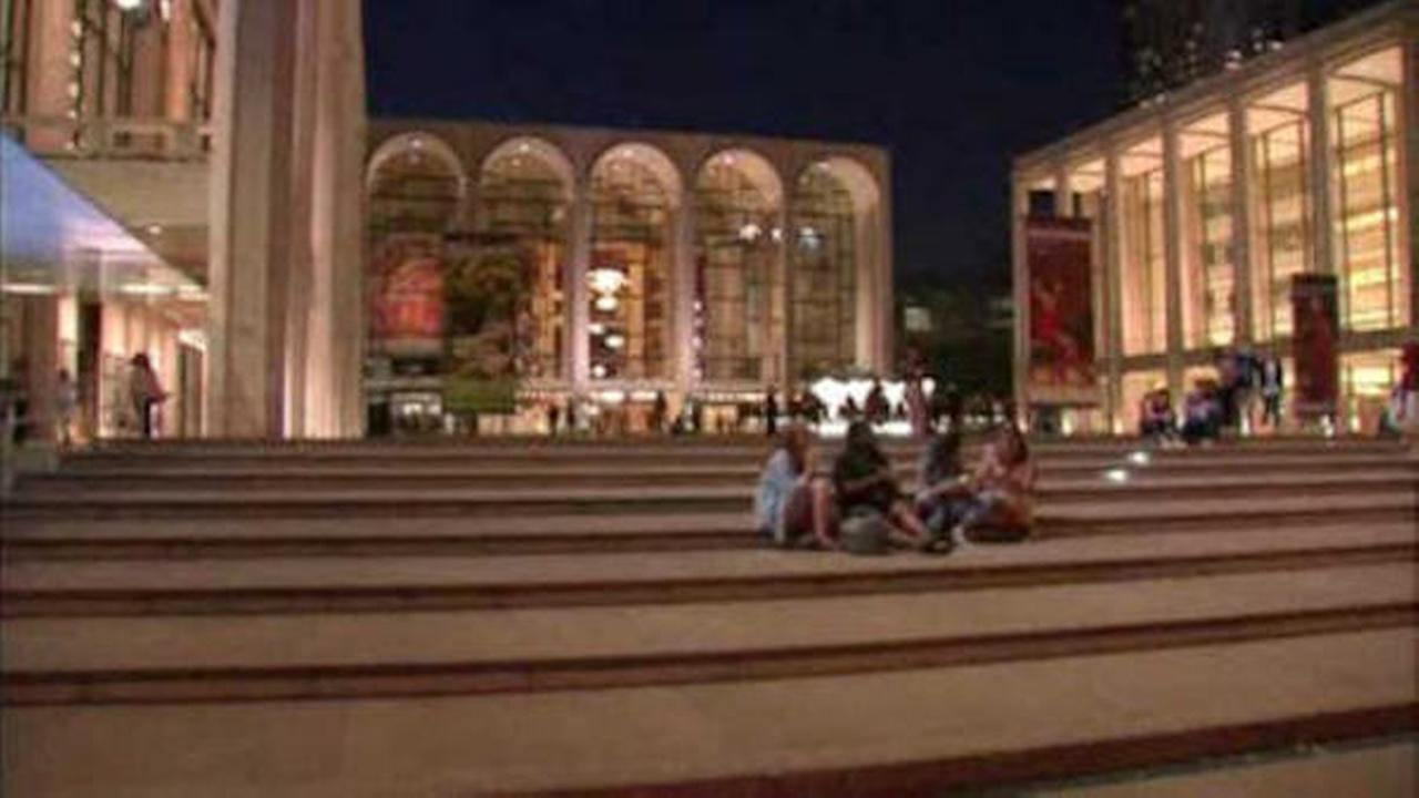 Metropolitan Opera reaches agreement with stagehands union
