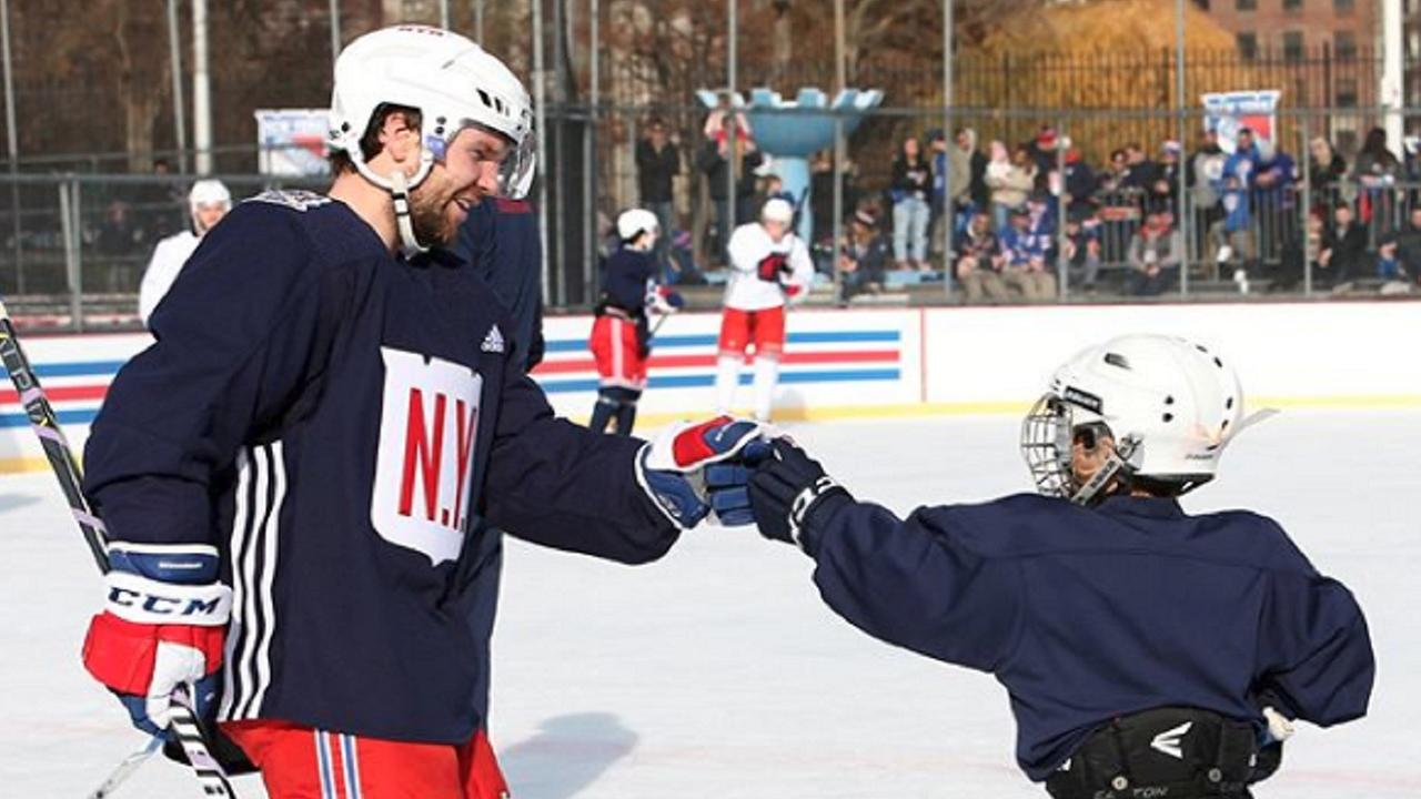 Rangers players give fans a special treat in Central Park during outdoor practice