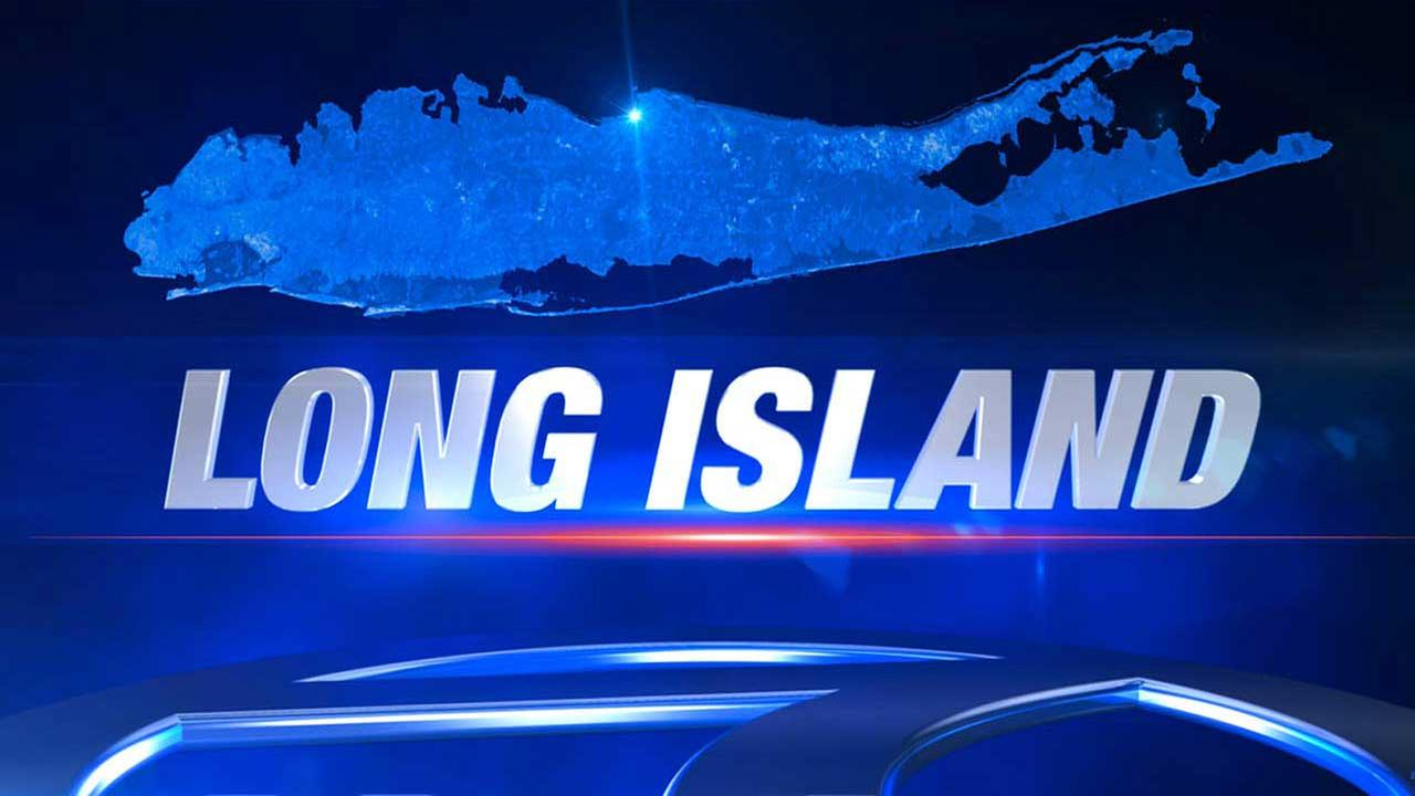 Woman fatally struck by Jeep in Oyster Bay on Long Island