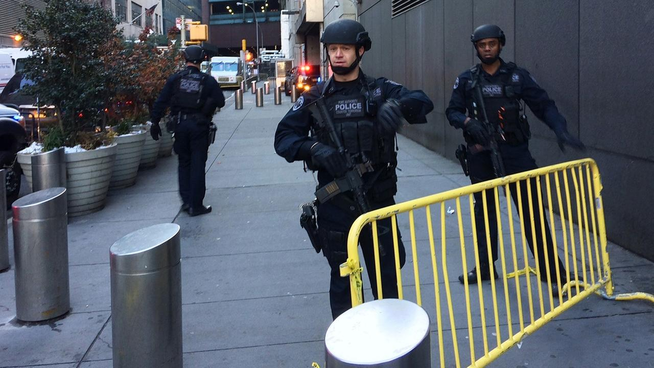 FBI, NYPD raid Port Authority bomb suspect's apartment
