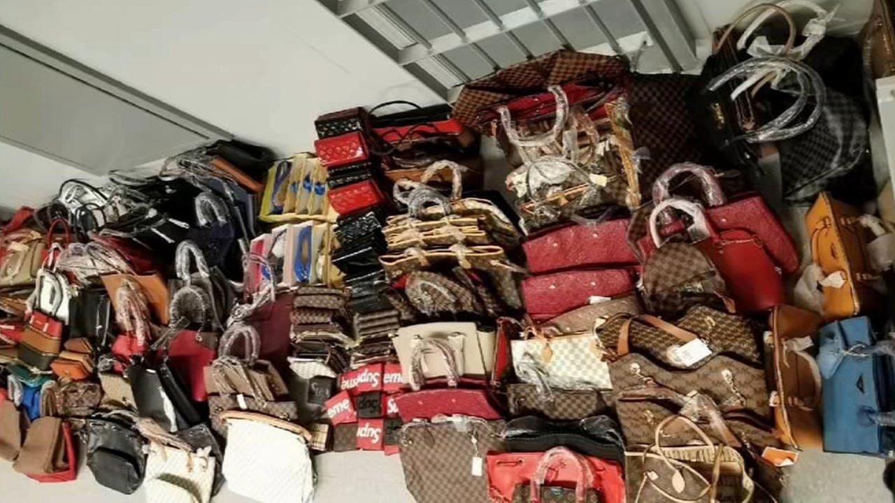 'Port Authority make huge counterfeit goods bust on George Washington Bridge' from the web at 'http://cdn.abclocal.go.com/content/wabc/images/cms/2839792_1280x720.jpg'