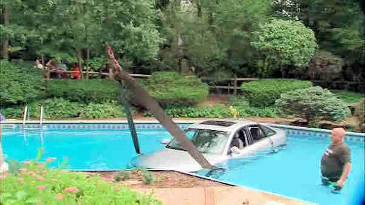 car ends up in pool in bergen county backyard abc7ny com