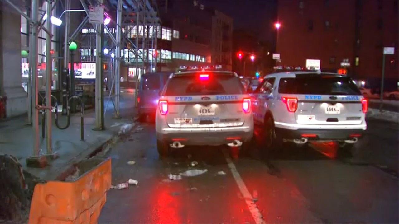 Man slashed in face while riding Manhattan subway