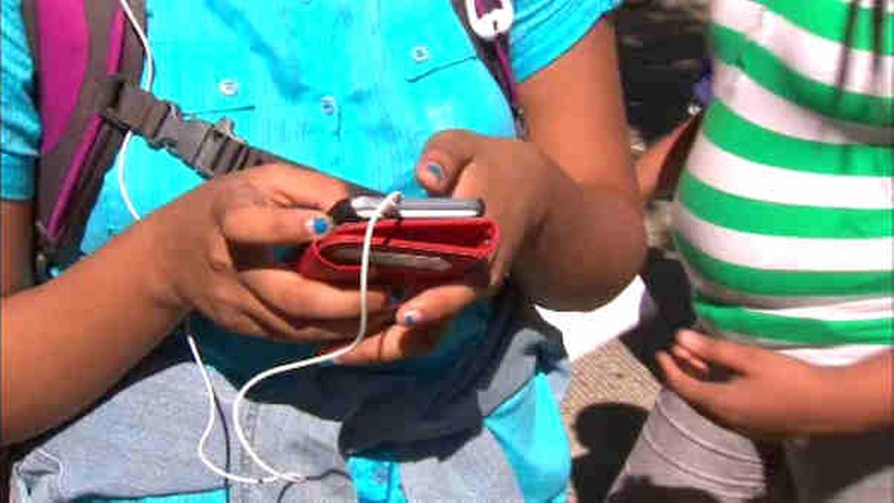 cell phones in new york city schools