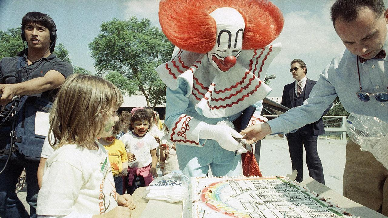 Bozo the Clown (unspecified actor) makes a campaign appearance in his bid for the presidency in Los Angeles, Oct. 2, 1984.
