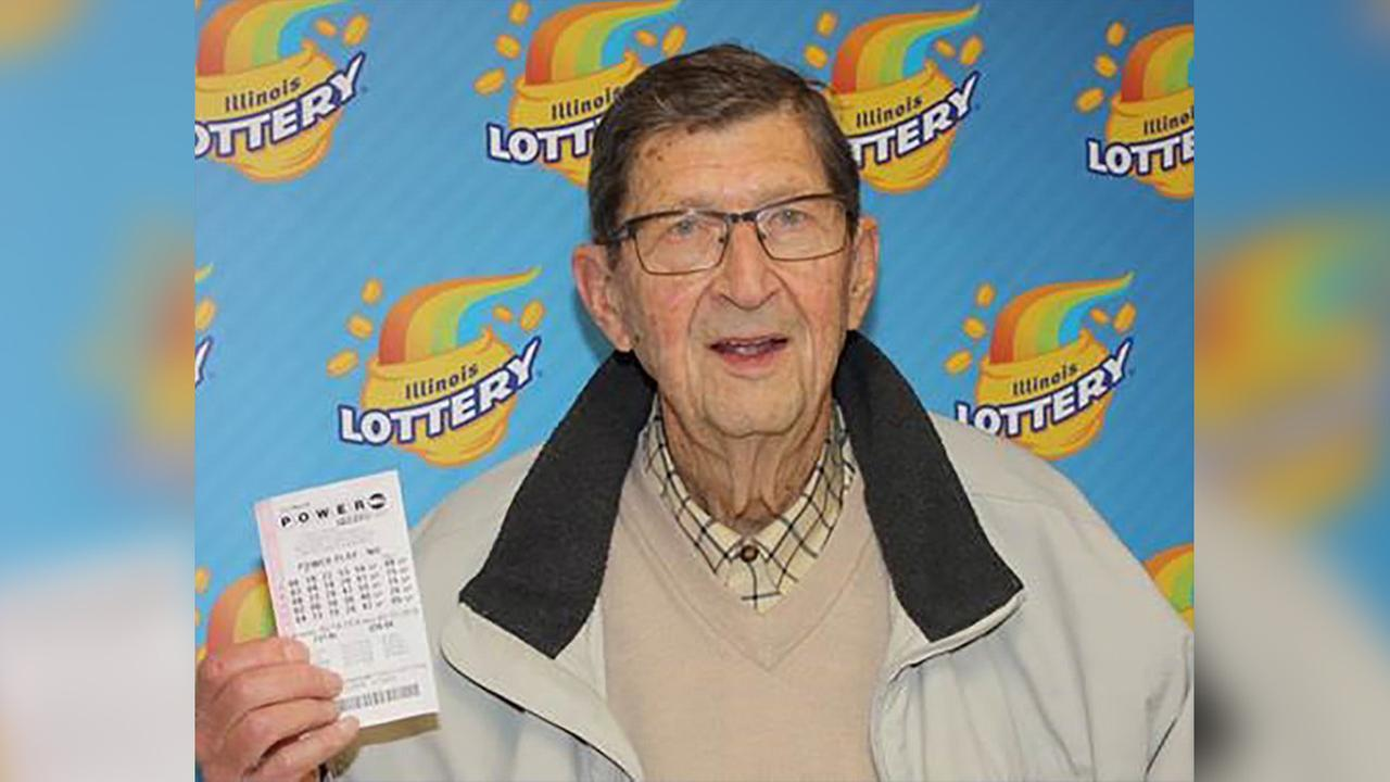 91-year-old Illinois man who married at 82 wins $1 million Powerball prize