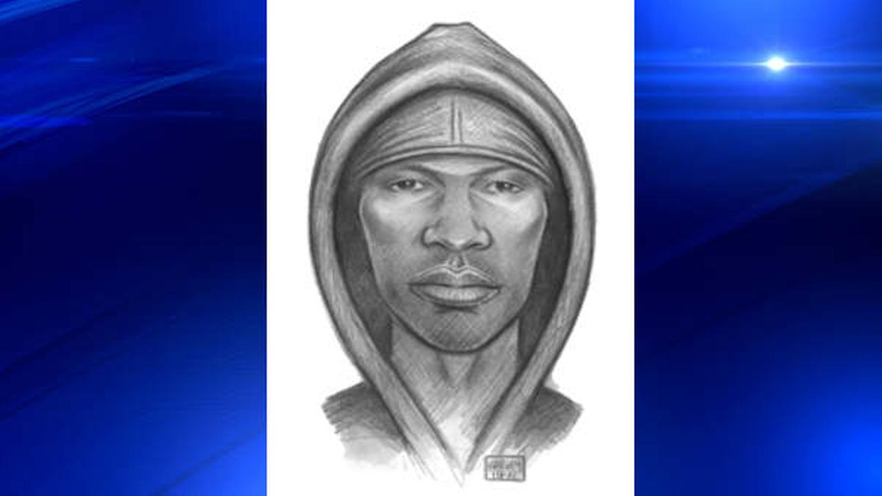 Man robs woman with toddler in Brooklyn apartment elevator, exposes self