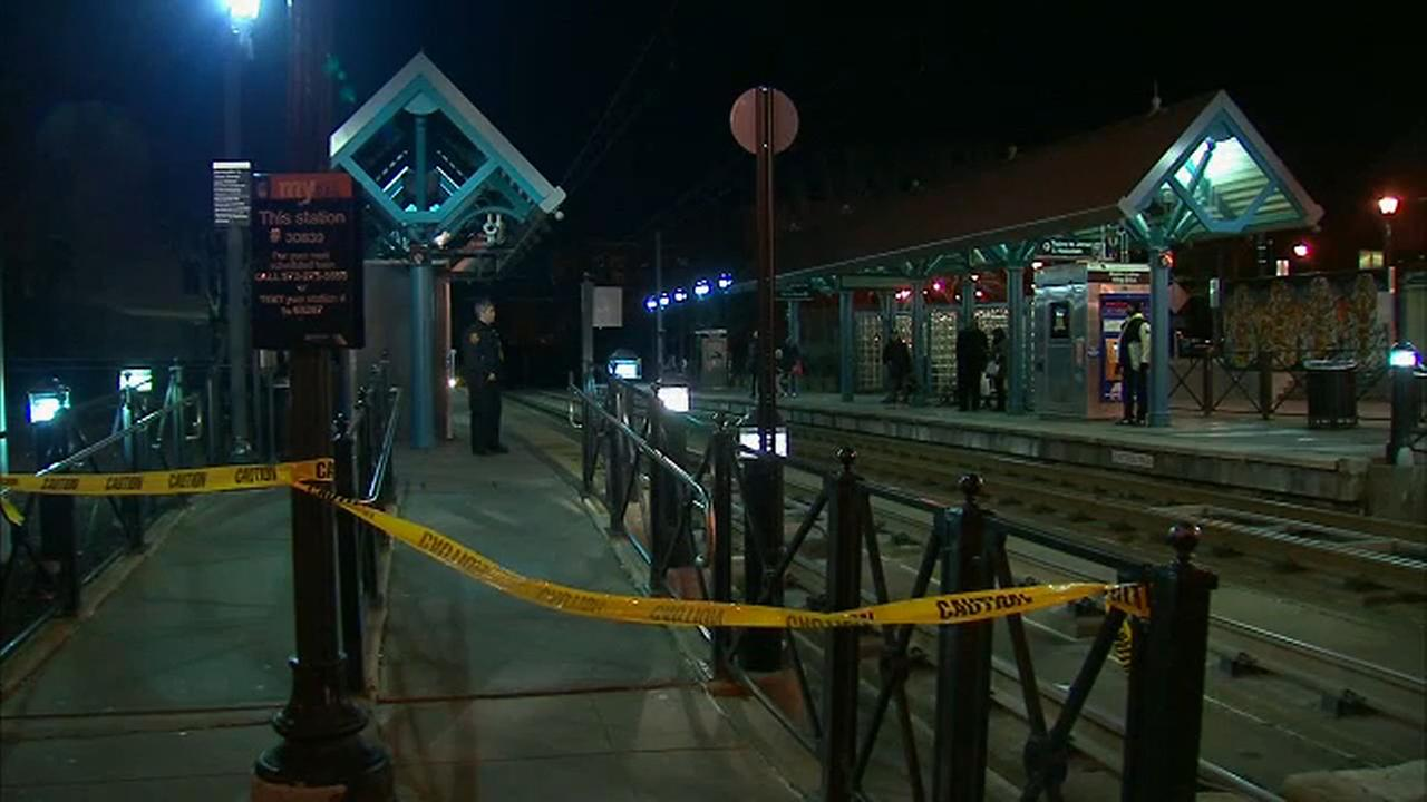Teenager injured while trying to hang from train at station in Jersey City