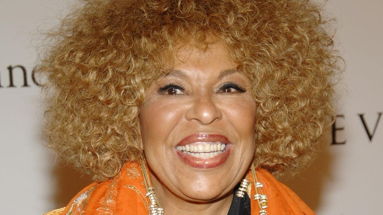 Singer Roberta Flack attends the 2007 G&P Foundation 10th Annual Angel Ball at the Marriott Marquis, Moday, Oct. 29, 2007 in New York.