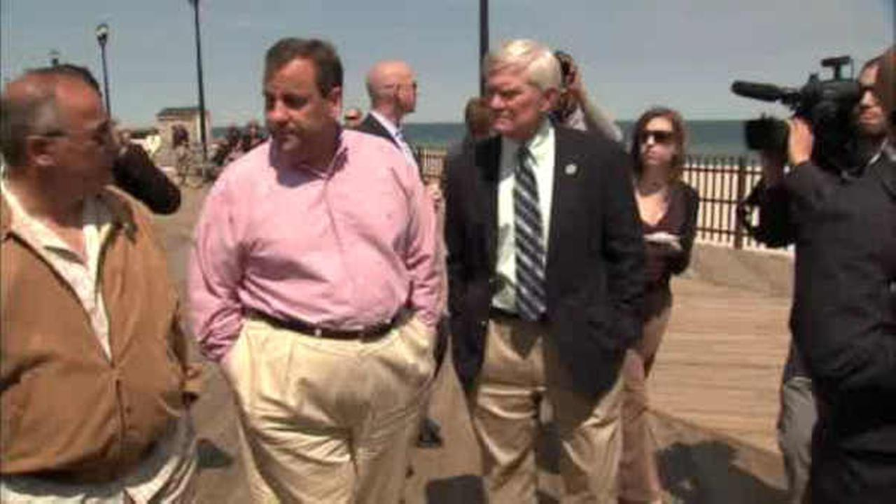 Governor Chris Christie tours Seaside Heights boardwalk