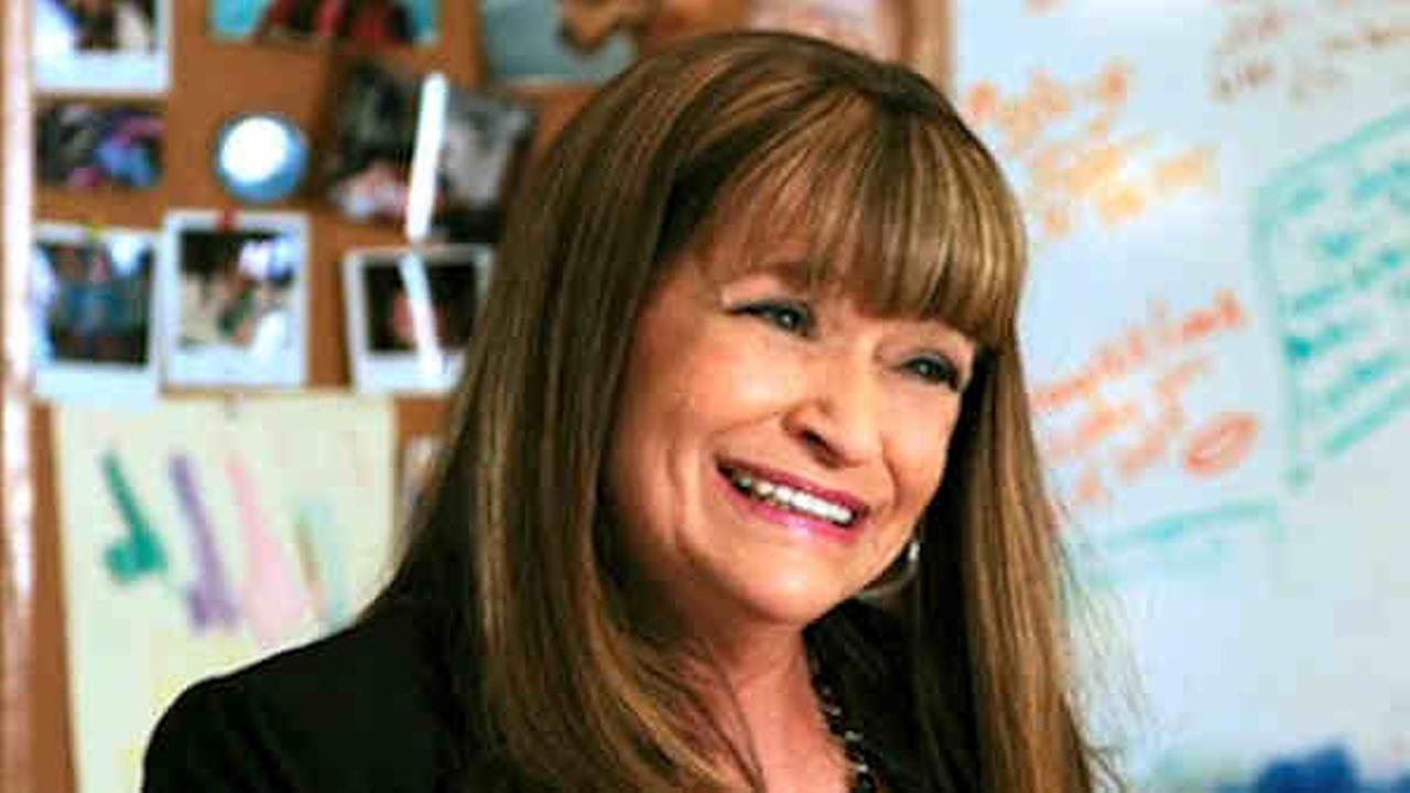 Jan Hooks,a versatile former Saturday Night Live cast member whose impressions ranged from Nancy Reagan to Sinead OConnor to Tammy Faye Bakker, died Oct. 9, 2014 at age 57.