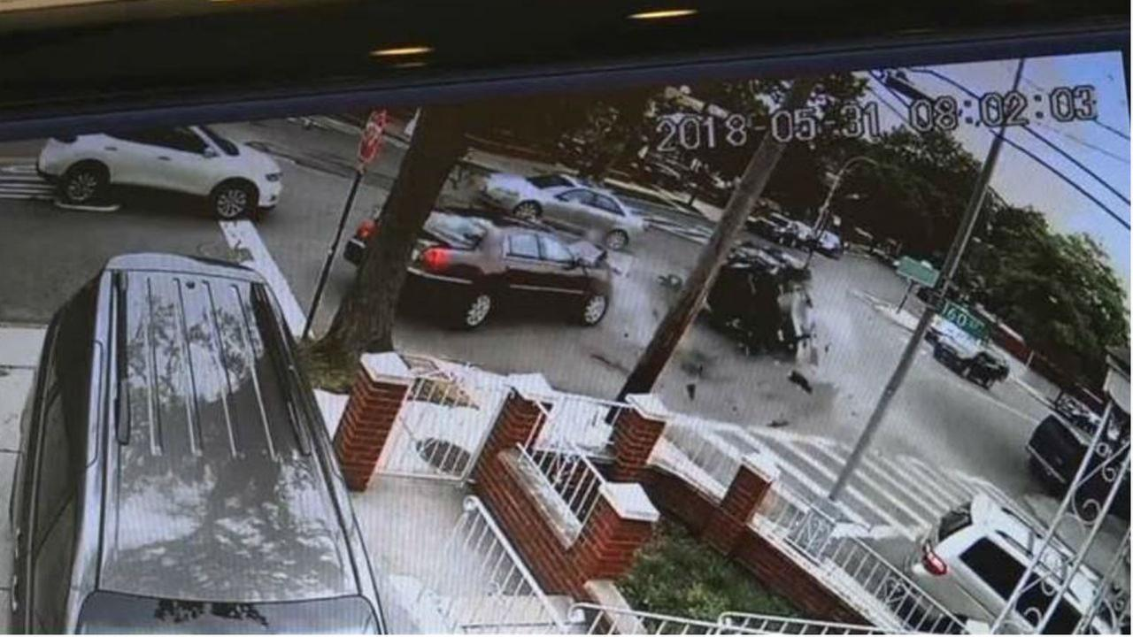 Caught On Video 5 Car Crash In Whitestone Queens Leaves Several