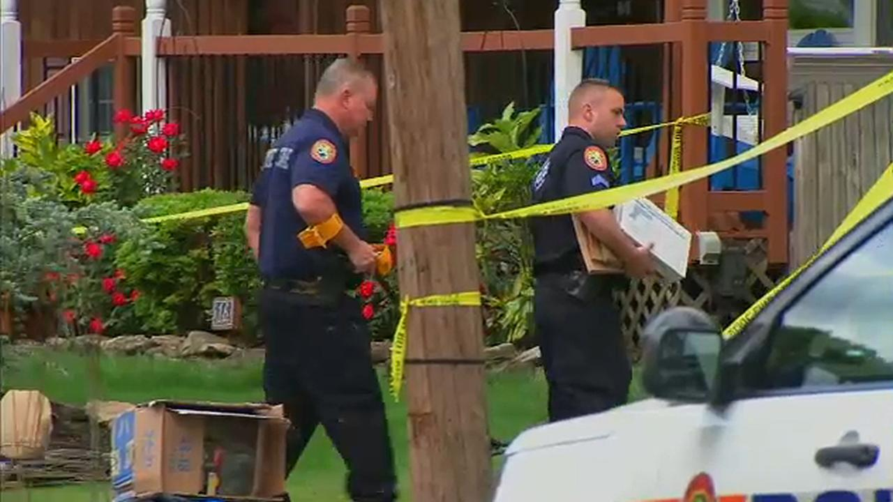 Police: Deadly shooting of man charging at officers with piece of glass 'justified'