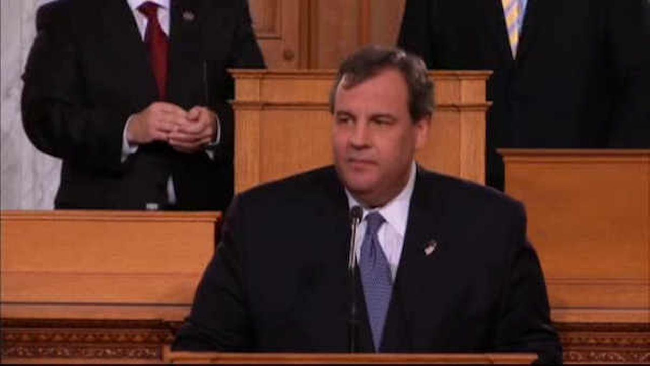 New Jersey Gov. Chris Christie proposes new pension, benefit cuts in budget