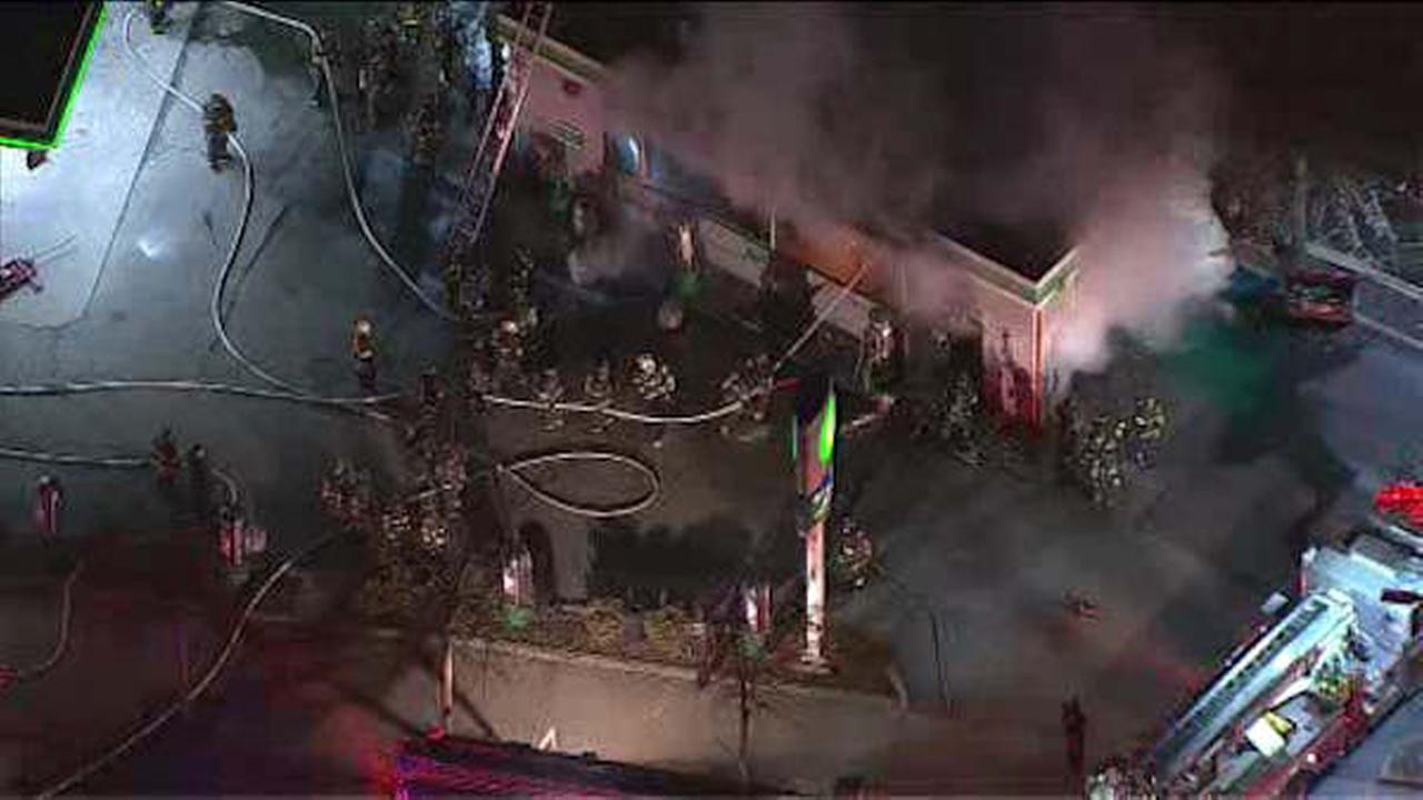 Firefighters battlefire at Staten Island car wash