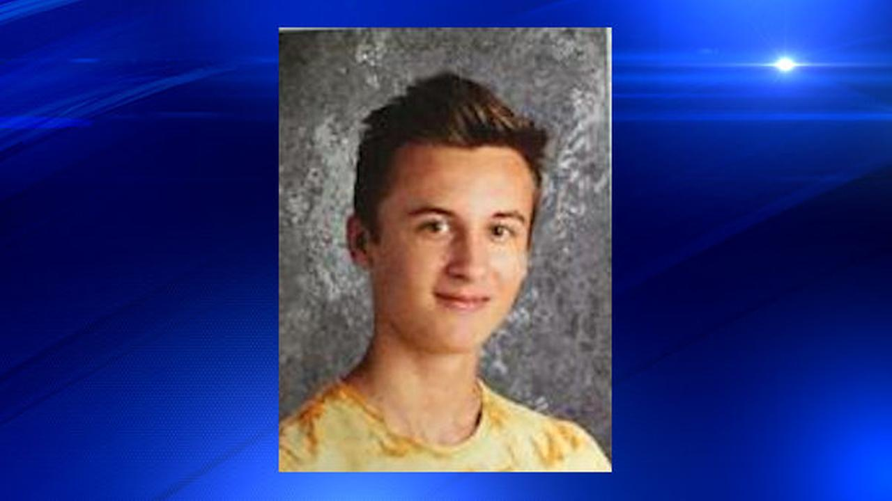 HS runner, 16, dies after pair of heart attacks