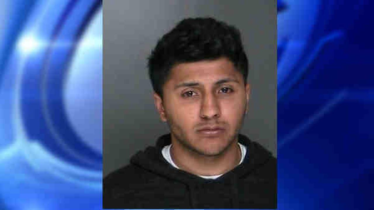 Man in car accused of exposing self to teen girl on Long Island