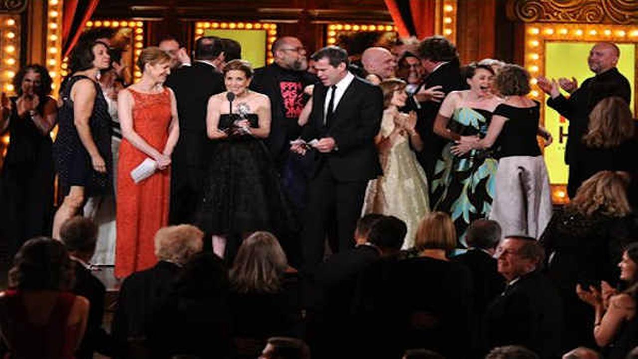 Poignant 'Fun Home' wins 2015 best musical Tony Award ...