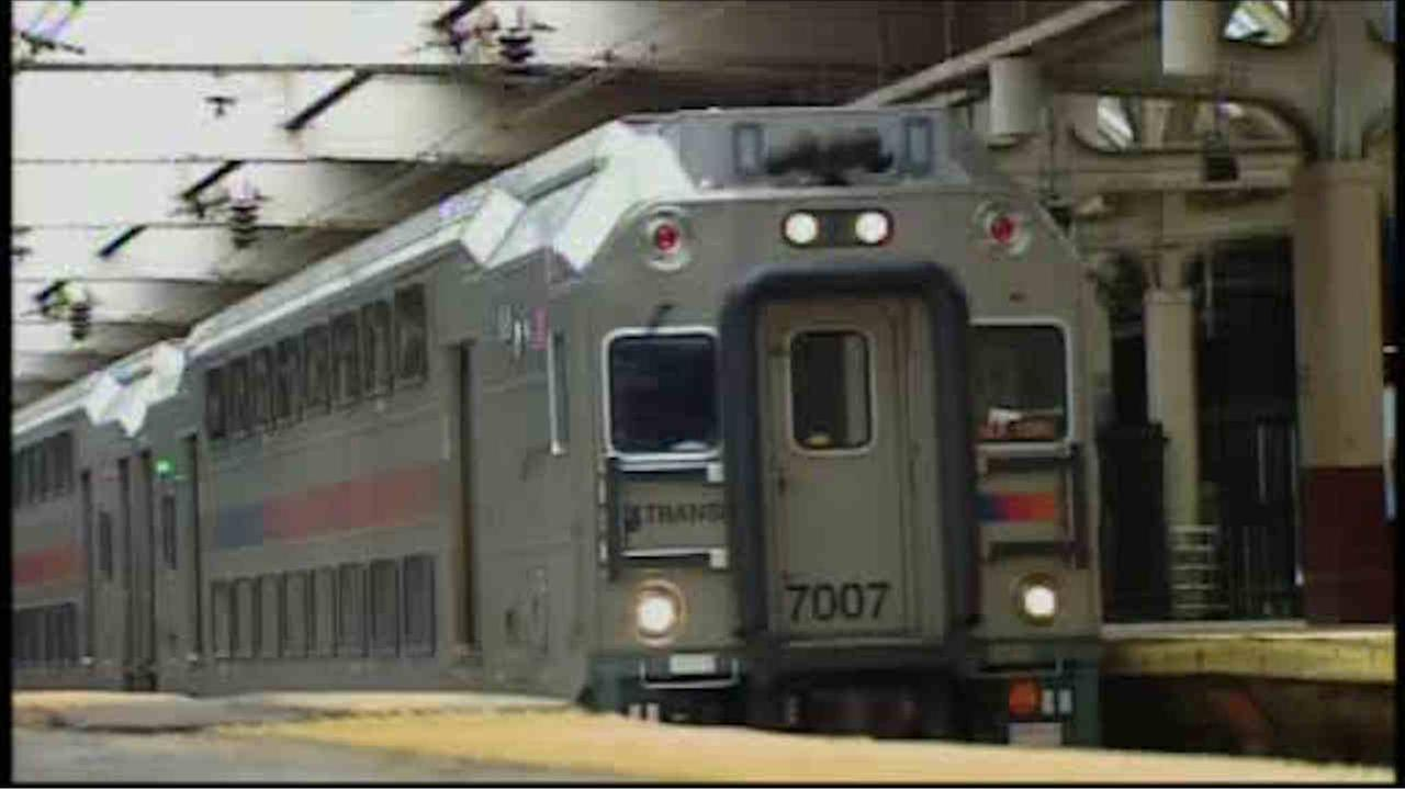 New Jersey Transit begins to resume service after big snowstorm