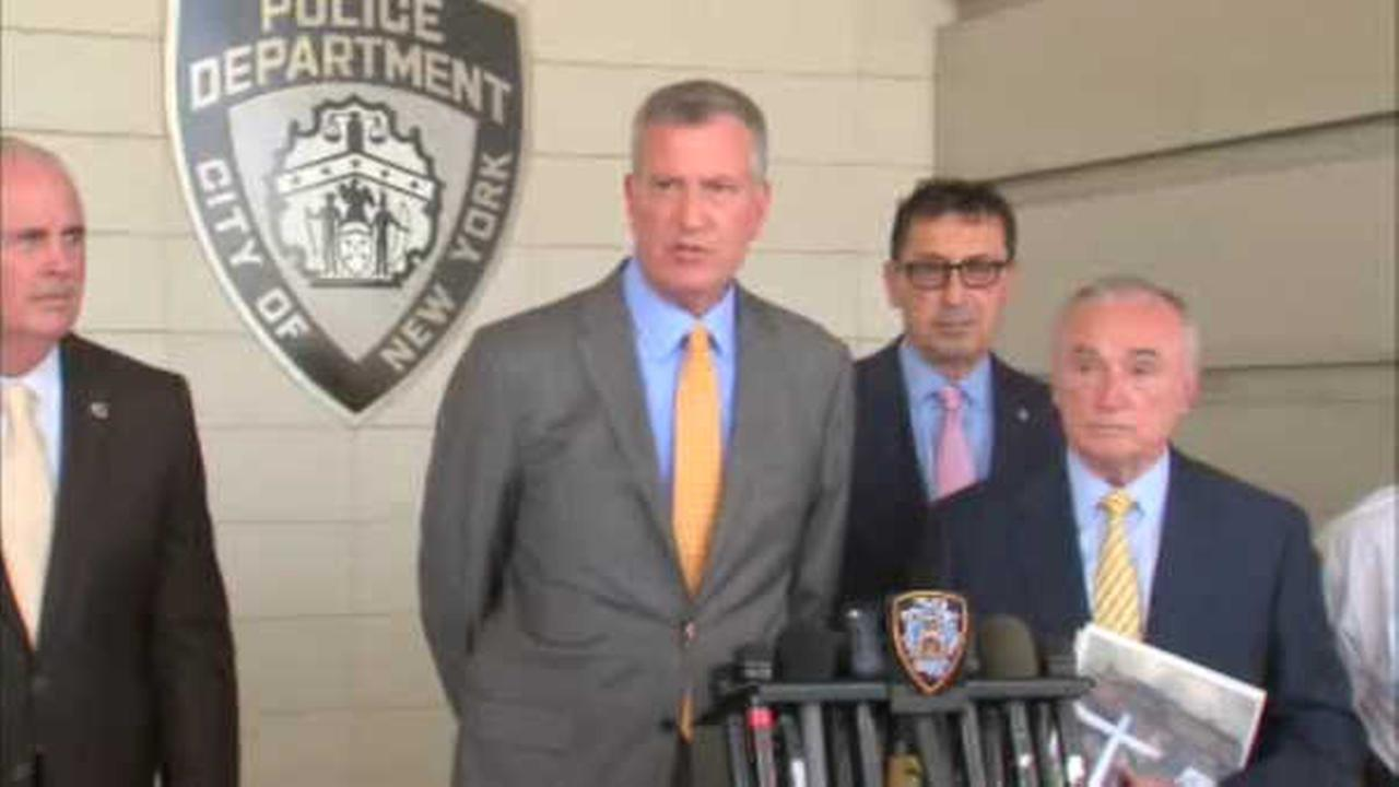 Mayor de Blasio facing criticism for gym time after Staten Island firefighter shot