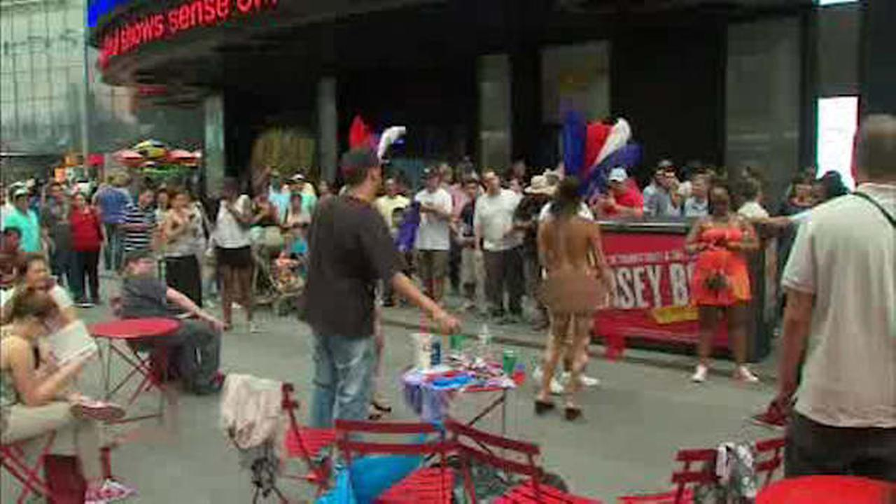 Times Square topless painted woman arrested for drugs, prostitution