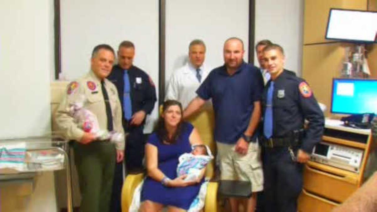 Nassau County officers help to deliver baby in back of police ambulance