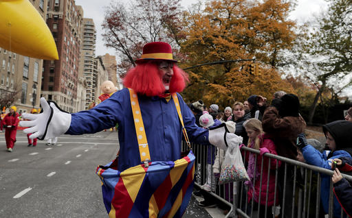 "<div class=""meta image-caption""><div class=""origin-logo origin-image none""><span>none</span></div><span class=""caption-text"">A clown greets spectators during the Macy's Thanksgiving Day parade, Thursday, Nov. 24, 2016, in New York. (AP Photo/Julie Jacobson)</span></div>"