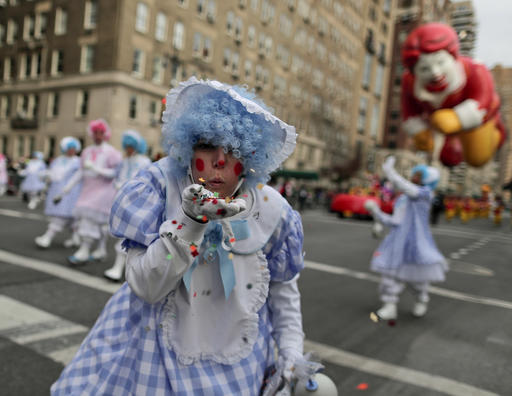 "<div class=""meta image-caption""><div class=""origin-logo origin-image none""><span>none</span></div><span class=""caption-text"">A clown blows confetti toward spectators during the Macy's Thanksgiving Day parade, Thursday, Nov. 24, 2016, in New York. (Julie Jacobson/AP)</span></div>"