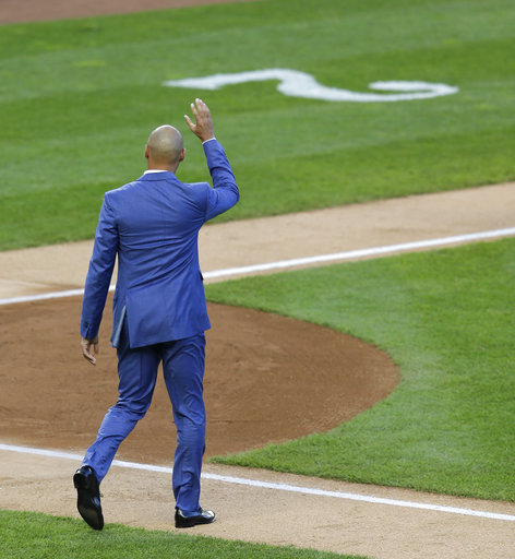 "<div class=""meta image-caption""><div class=""origin-logo origin-image ap""><span>AP</span></div><span class=""caption-text"">Former New York Yankees' Derek Jeter waves to the crowd during a ceremony retiring his number at Yankee Stadium, Sunday, May 14, 2017, in New York. (AP Photo/Seth Wenig) (AP)</span></div>"