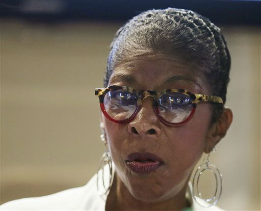 "<div class=""meta image-caption""><div class=""origin-logo origin-image none""><span>none</span></div><span class=""caption-text"">Natalie Cole during a 2015 news conference in the Philippines. (AP Photo/Bullit Marquez) (AP Photo/ Bullit Marquez)</span></div>"