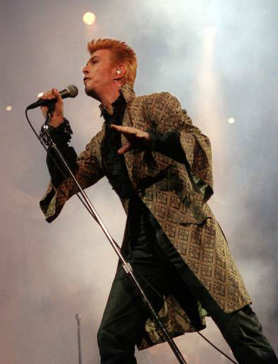 <div class='meta'><div class='origin-logo' data-origin='none'></div><span class='caption-text' data-credit='AP Photo/ RON FREHM'>Entertainer David Bowie performs during a concert celebrating his 50th birthday Thursday, Jan. 9, 1997, at Madison Square Garden in New York. (AP Photo/Ron Frehm)</span></div>