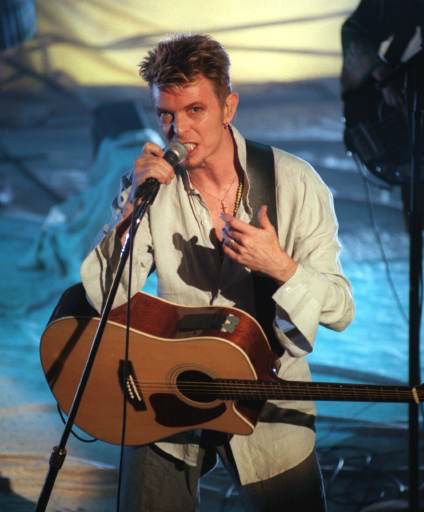 <div class='meta'><div class='origin-logo' data-origin='none'></div><span class='caption-text' data-credit='AP Photo/ MIKE FISHER'>Singer David Bowie performs Friday night, Sept. 19, 1997, at The Vic theater in Chicago. (AP Photo/Mike Fisher)</span></div>