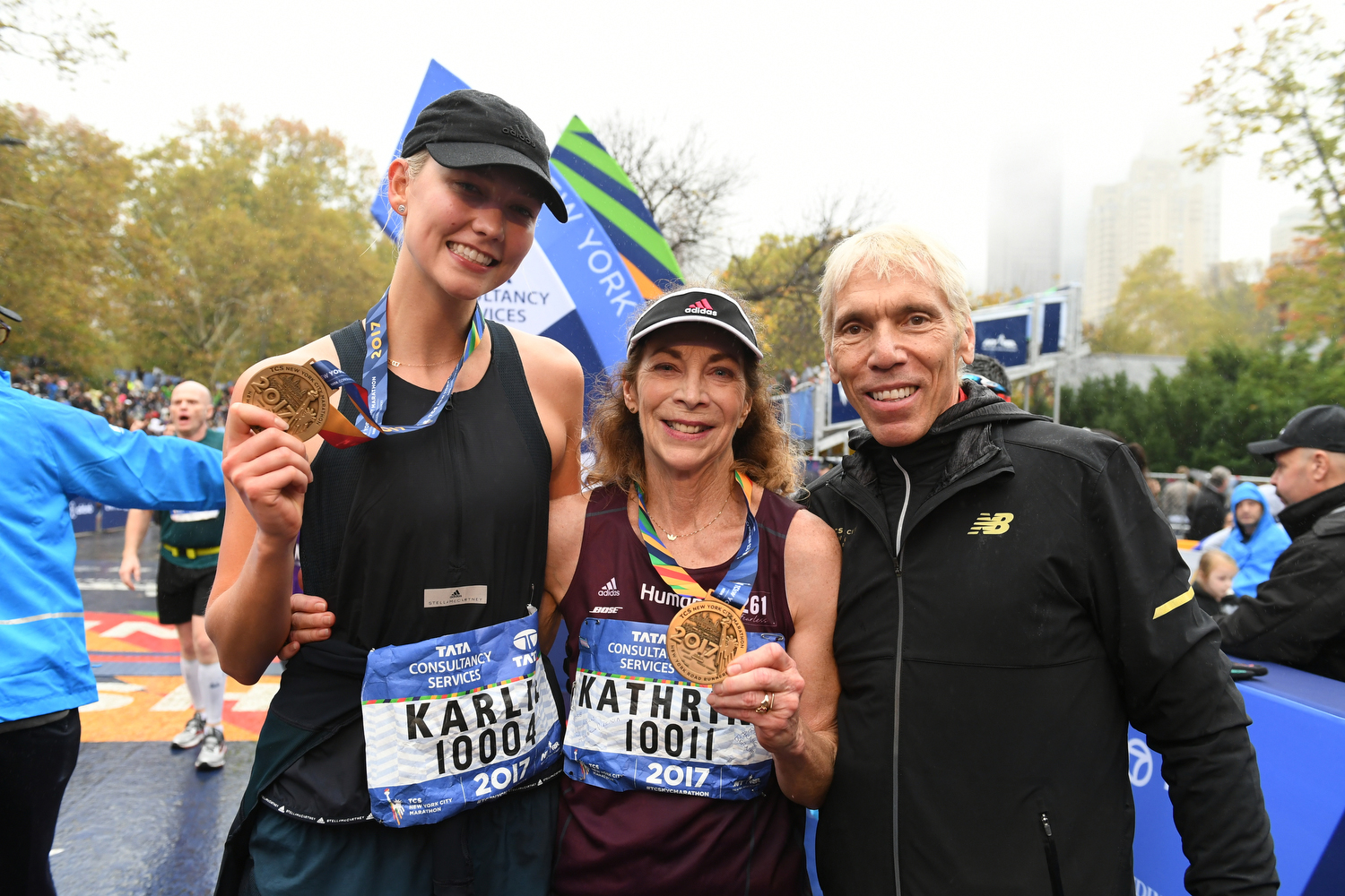 "<div class=""meta image-caption""><div class=""origin-logo origin-image none""><span>none</span></div><span class=""caption-text"">Karley Kloss, Katherine Switzer and Peter Ciaccia (NYRR' president of events and TCS NYC Marathon race director) (NYRR)</span></div>"