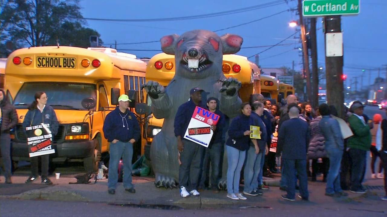 Federal mediators attempt to resolve bus strike on Long Island