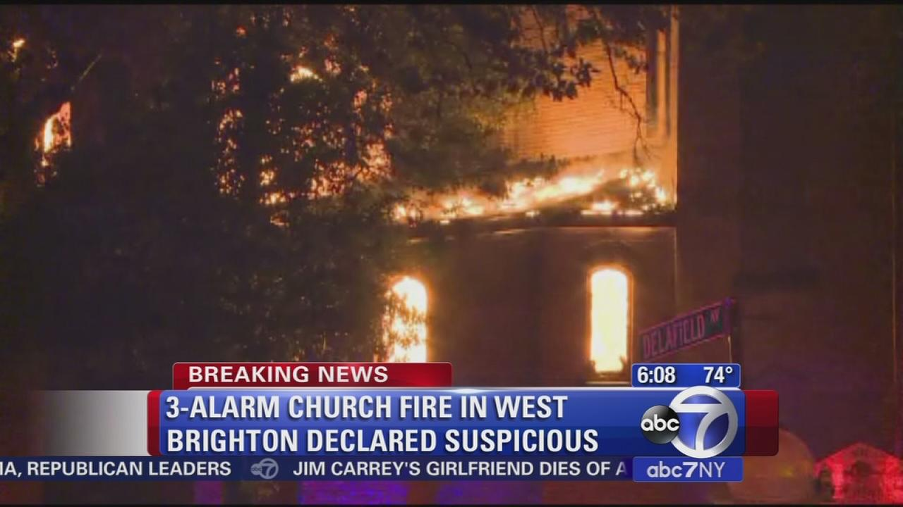 Abandoned church burns in Staten Island