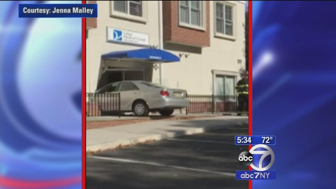 Car crashes into medical building